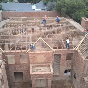 Desiner-Roof-trusses-modern-roof-in-Sandton003