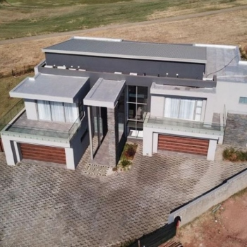 Desiner-Roof-trusses-Serengeti-Golf-and-Wildlife-Estate007